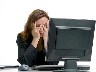 mata-lelah-di-depan-komputer